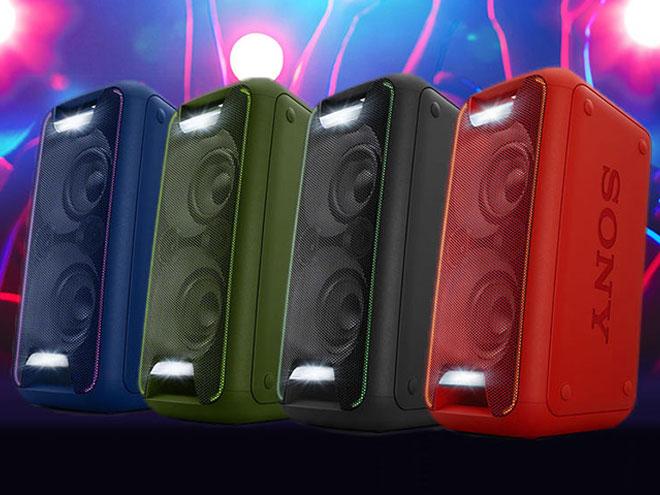 vier Sony GTK XB5 Musikboxen in unterschiedlichen Farben