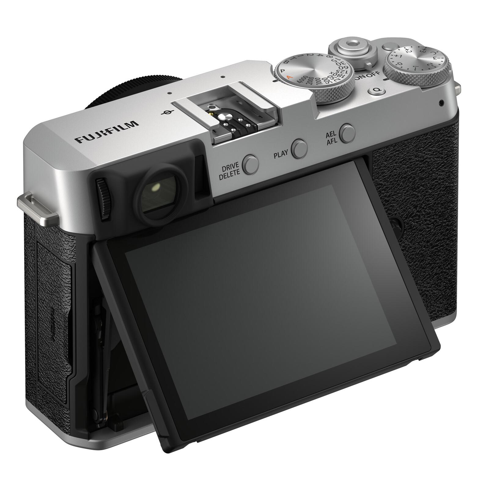 Fujifilm X-E4 silver