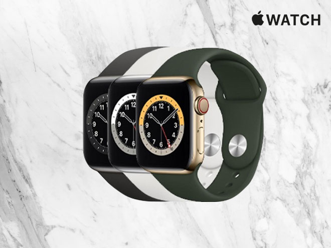 drei Modelle der Apple Watch 6 mit verschiedenfarbigen Armbändern auf einem Marmor-Hintergrund