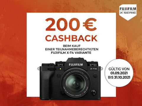 Fujifilm TX-4 Kamera mit drei Objektiven plus Cashback-Info bis zu 200 Euro auf weißem und blauem Hintergrund