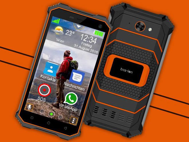 das Outdoor-Smartphone Beafon X5 in Vorder- und Rückansicht auf orangem Hintergrund