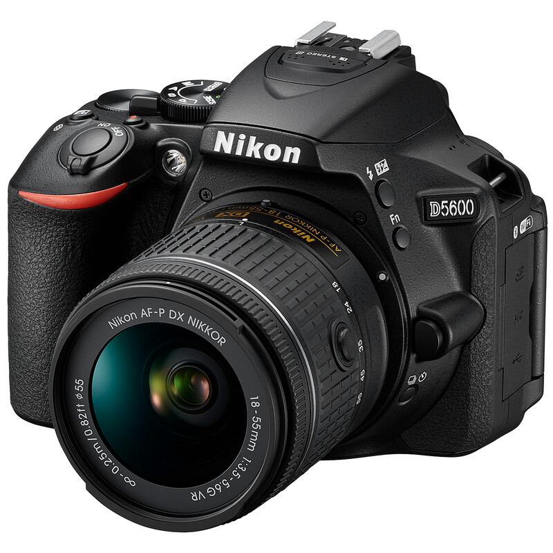 Nikon D5600 + AF-P DX 18-55/3,5-5,6G VR