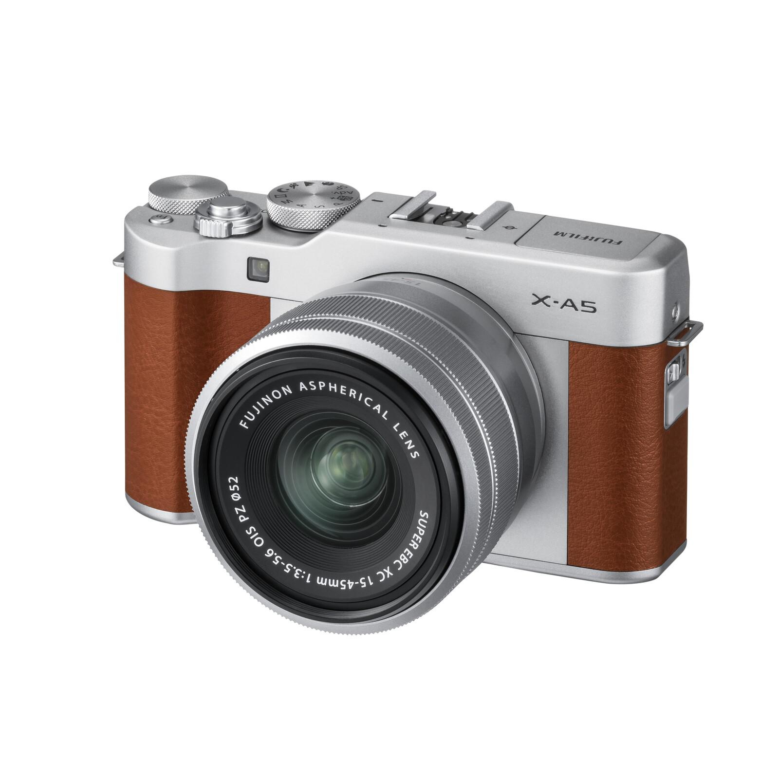 Fujifilm X-A5 + XC 15-45 + XC 50-230 braun